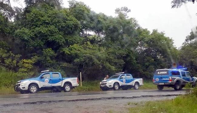 Policiais militares fazem ronda em busca do bandidos - Foto: Reprodução |Site Bahiana Mídia