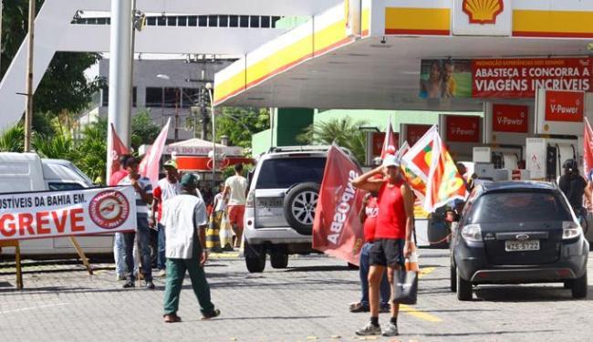 A categoria está em greve desde esta segunda-feira, dia 10 - Foto: Edilson Lima | Ag. A TARDE