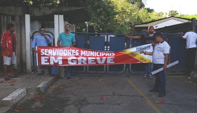 Servidores afirmam que retomarão as atividades quando a decisão de extinguir os cargos for cancelada - Foto: Divulgação   Sindseps
