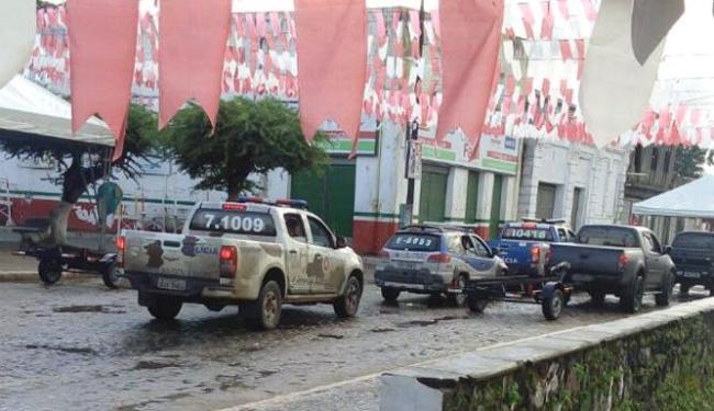 A cidade foi cercada para evitar a fuga dos investigados pela polícia - Foto: Reprodução | Site Voz da Bahia