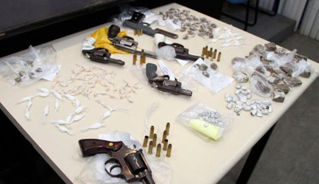 Armas, maconha, crack e cocaína apreendidos na ação - Foto: Divulgação   SSP