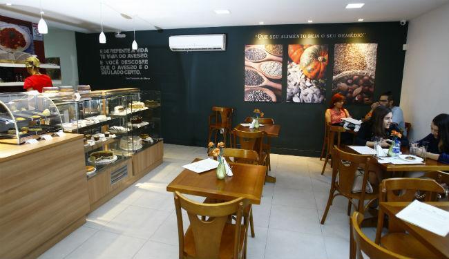 O café tem coxinha de batata doce e hambúrguer de grão de bico - Foto: Fernando Vivas   Ag. A TARDE