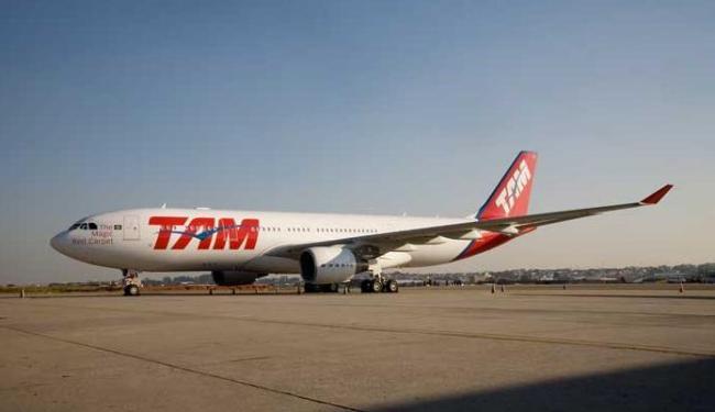 Aeronave da TAM que iria para o Rio de Janeiro colidiu com um pássaro - Foto: Marcio Jumpei / Divulgação