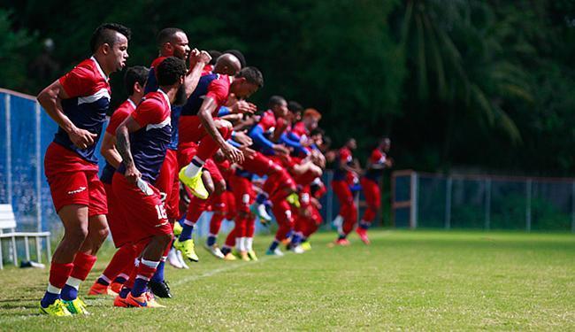 Tricolores se aquecem para último treino antes do jogo - Foto: Edilson Lima l Ag. A TARDE