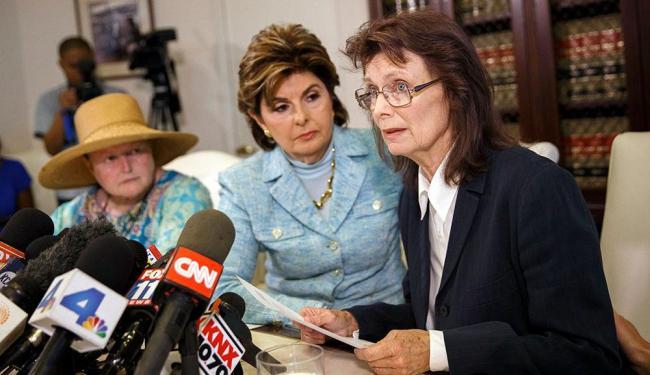 A ex-atriz Linda Ridgeway Whitedeer fala sobre suposta agressão por Bill Cosby em coletiva - Foto: Patrick T. Fallon | Agência Reuters