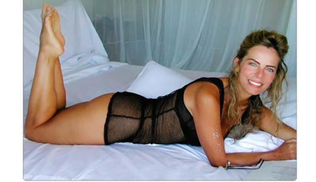 Bruna Lombardi desejou um bom fim de semana aos seguidores com esta foto - Foto: Reprodução | Facebook | brunalombardioficial