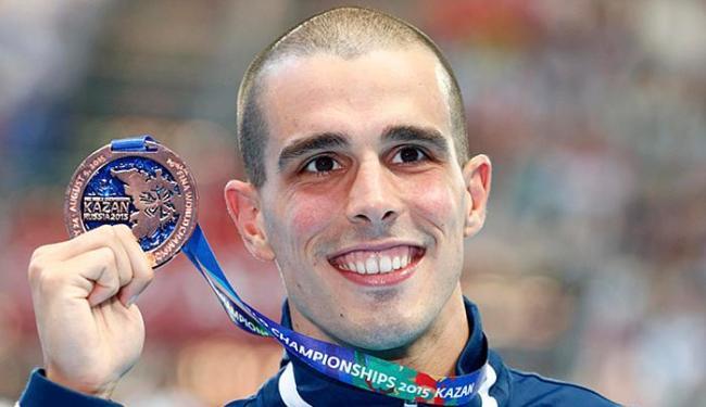 O nadador brasileiro conquistou a medalha de bronze na Rússia ao registrar 21s55 - Foto: Hannibal Hanschke l Reuters