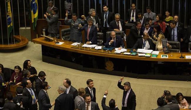 Com 320 votos, deputados aprovaram redução da maioridade penal de 18 para 16 anos - Foto: Fabio Rodrigues Pozzebom l Agência Brasil