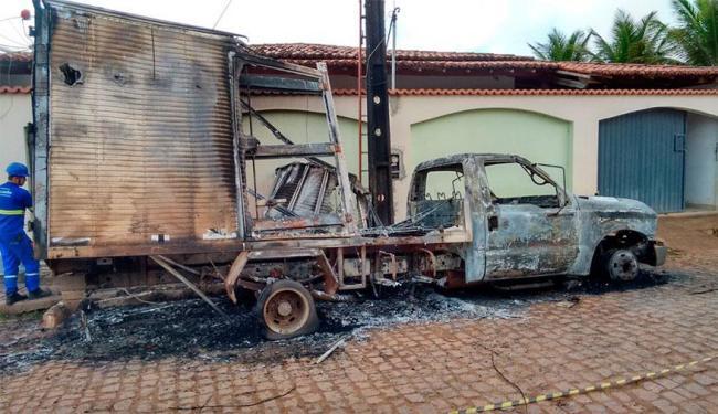 Veículo estava estacionado na frente da casa do prefeito - Foto: Reprodução | RF Notícias
