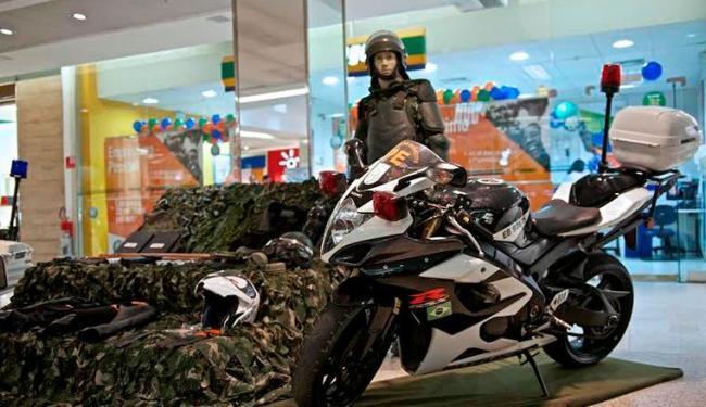 A mostra reúne materiais militares - Foto: Divulgação