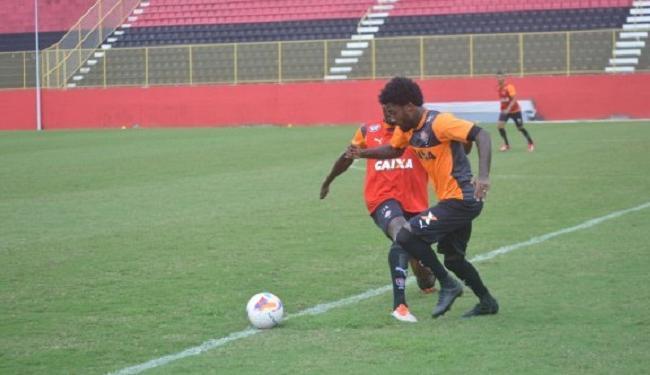 Rhayner deve jogar mais avançado contra o Sampaio Corrêa - Foto: Divulgação | E.C. Vitória