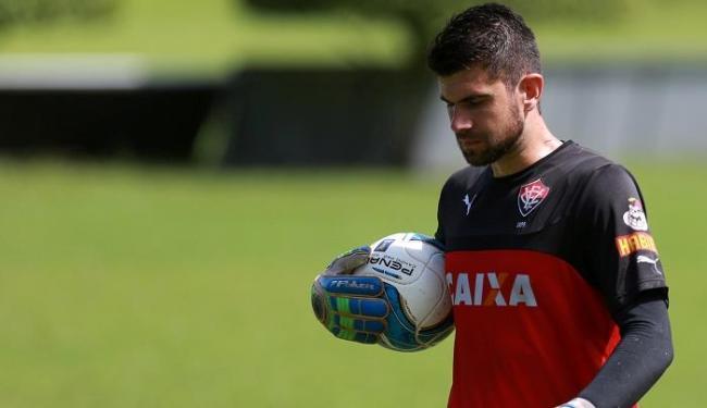 Essa é a segunda lesão consecutiva do goleiro Fernando Miguel em menos de um mês - Foto: Joá Souza   Ag. A TARDE