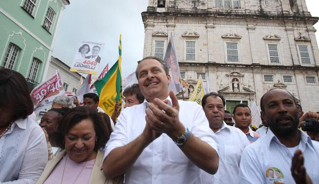 Em maio, Eduardo Campos fez campanha em Salvador ao lado da senadora Lídice da Mata - Foto: Lúcio Távora   Ag. A TARDE