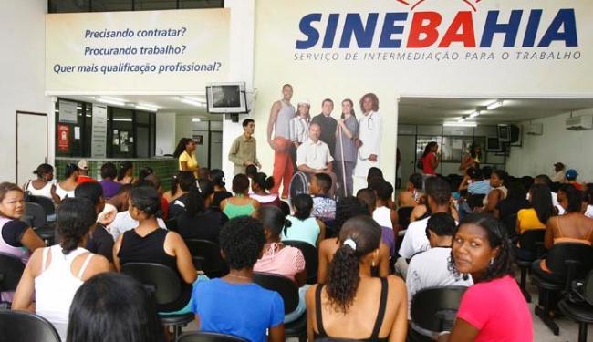 Entre as vagas ofertadas, duas são para chefe de depósito - Foto: Arestides Baptista   AG A TARDE