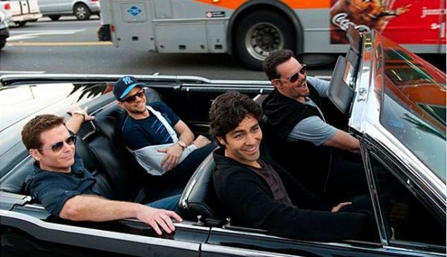 Kevin Connolly, Jerry Ferrara, Adrian Grenier e Kevin Dillon em cena do filme - Foto: Divulgação