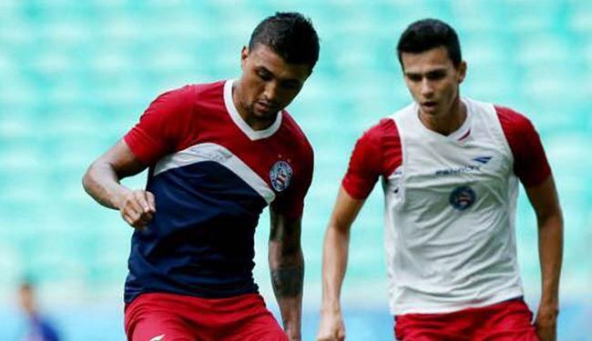 Zagueiro (D) já treina com o elenco tricolor - Foto: Felipe Oliveira l E.C. Bahia