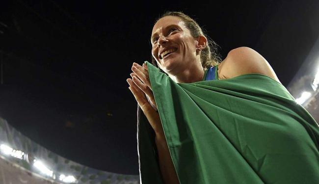 Fabiana Murer igualou o recorde sul-americano com 4,85m - Foto: Dylan Martinez | Reuters | 26.08.2015
