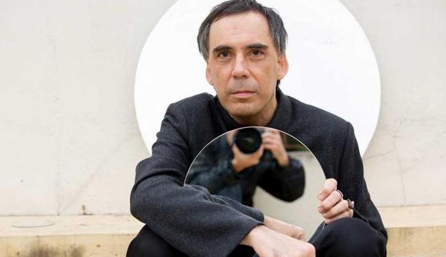 Arnaldo Antunes fará show no domingo, 19, no Jardim de Alah - Foto: Rafael Cañas | Divulgação