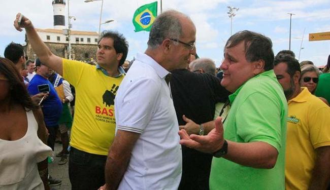 Deputado federal José Carlos Aleluia (DEM) e o ex-ministro Geddel Vieira Lima no Farol da Barra - Foto: Lúcio Távora   Ag. A TARDE