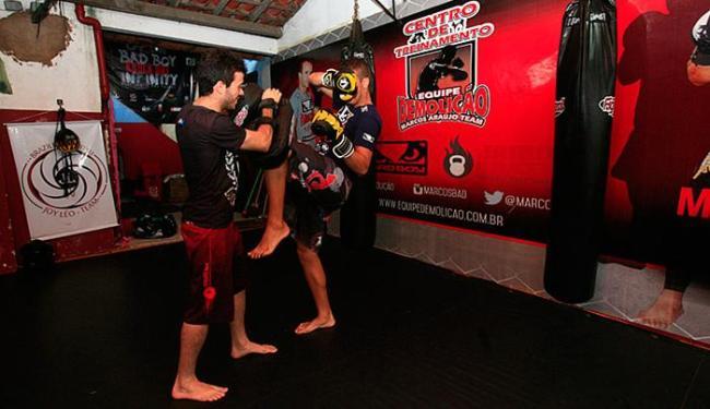 Hylton Santos (E) treina Ramon Magalhães - Foto: Mila Cordeiro l Ag. A TARDE