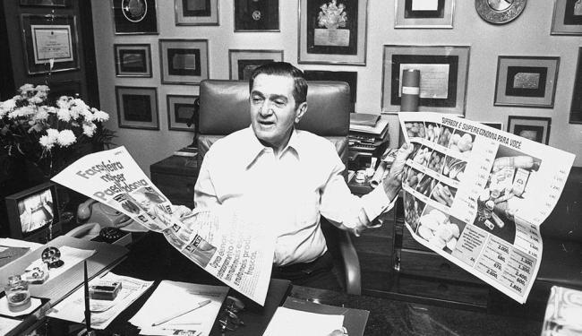 O empresário em seu escritório, em 1983: a rede era um dos maiores anunciantes do estado - Foto: Arquivo A TARDE