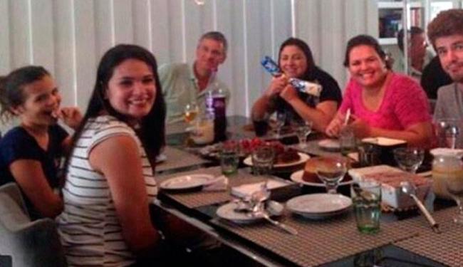 Galã global aparece em foto ao lado de familiares de Bruna - Foto: Reprodução   Instagram