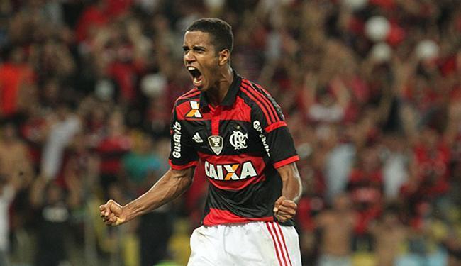 O meia-atacante revelado pelo tricolor atualmente joga no Flamengo - Foto: Gilvan de Souza l Flamengo
