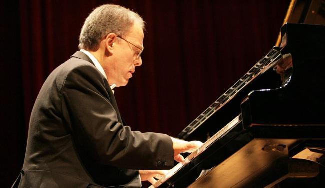 O pianista Miguel Proença apresenta o Projeto Piano Brasil no TCA - Foto: Abamael Silva   Ag. A TARDE
