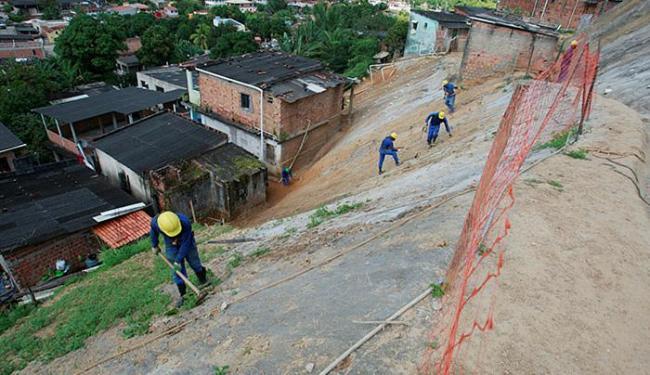 Inspeção começou no Alto de São Tomé de Paripe, onde 50% da obra está pronta - Foto: Luciano da Matta l Ag. A TARDE
