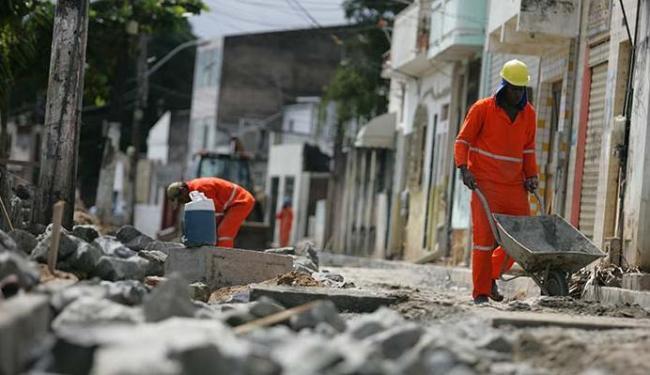 Trabalhadores devem ficar atento às jornadas de trabalho - Foto: Joá Souza   Ag. A TARDE