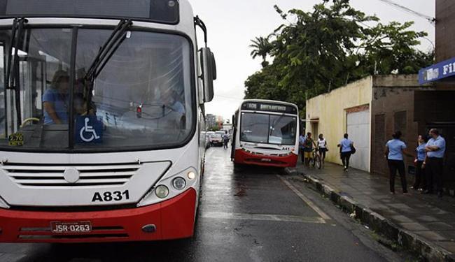 Cidade está sem coletivos após a saída de empresas descontentes com resultado de licitação - Foto: Luiz Tito | Ag. A TARDE