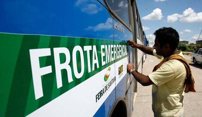 Ônibus de Feira de Santana ganharam adesivos e passaram por vistoria nesta terça, 25 - Foto: Luiz Tito   Ag. A TARDE