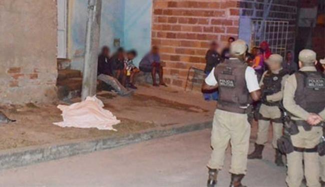 A garota morreu com um tiro no peito; namorado dela era o alvo dos disparos - Foto: Reprodução | Blitz Conquista