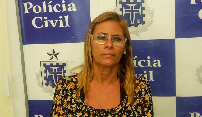 Com uma identidade falsa e o cartão com o nome de outra pessoa, mulher tentou sacar a quantia - Foto: Divulgação | Polícia Civil