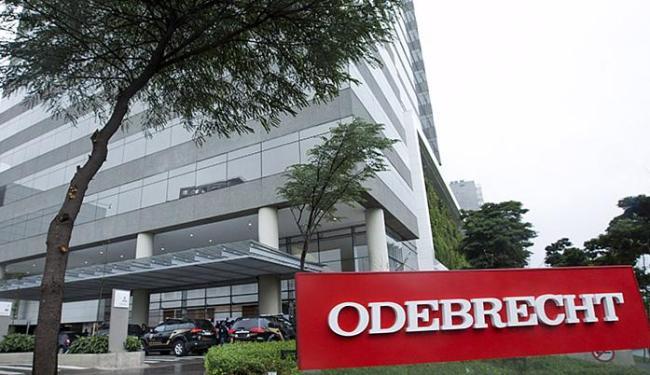 Prédio da Odebrecht: executivos da empresa são alvos da operação Lava jato - Foto: Rodrigo Paiva l A TARDE