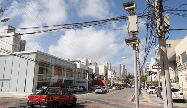 Alteração no sentido da R. Marques de Leão (Barra) deixa radar em direção errada - Foto: Fernando Amorim l Ag. A TARDE