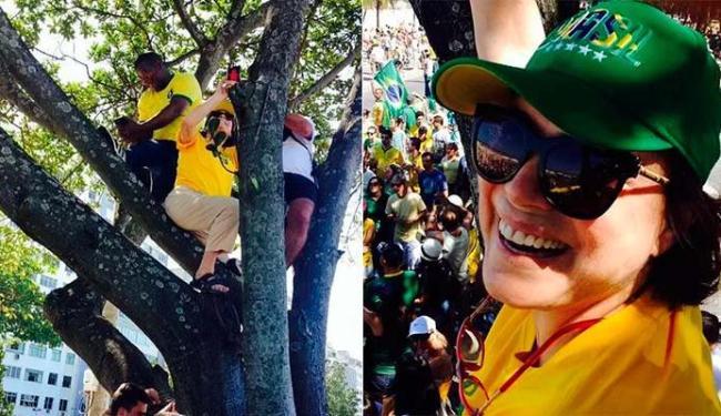 A atriz subiu e tirou a selfie no protesto - Foto: Reprodução | Instagram