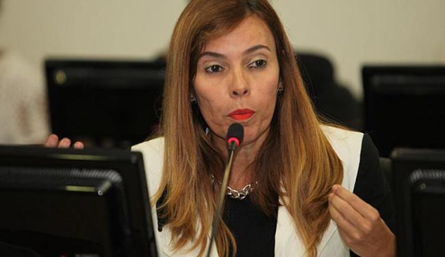Rita Tourinho disse que Ministério Púbico move dez ações contra temporários - Foto: Edilson Lima l Ag. A TARDE