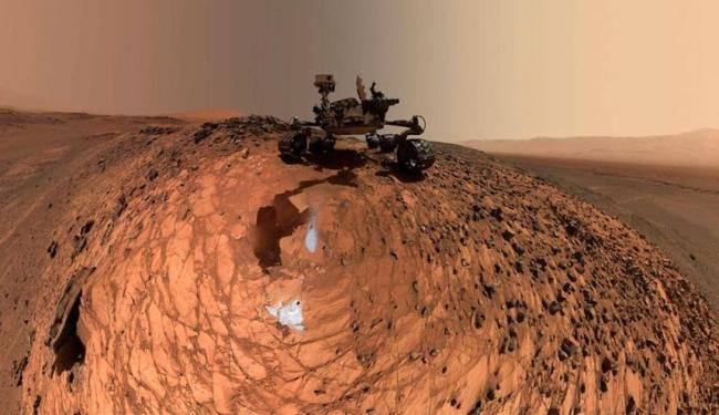 Robô aparece em pedra em Marte - Foto: Divulgação | Nasa