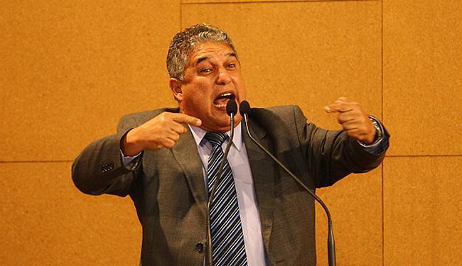 Rosemberg Pinto (PT) classificou a prisão de Dirceu como 'ação midiática' para 'criar constrangiment - Foto: Eduardo Martins l Ag. A TARDE