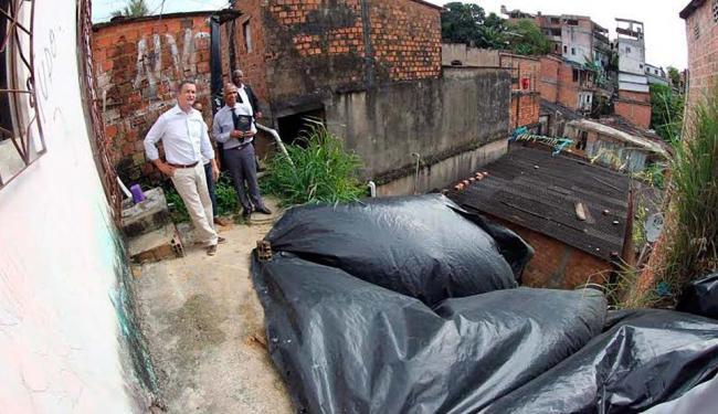 Governador Rui Costa visitou área de risco no Alto da Terezinha - Foto: Manu Dias | GOVBA