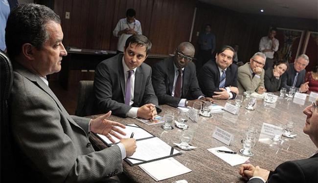 Rui Costa durante reunião com executivos do laboratório norte-americano - Foto: Raul Golinelli l Govba