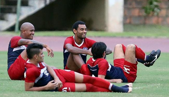 Jogadores relaxam após treinamento do Bahia - Foto: Felipe Oliveira l EC Bahia l Divulgação