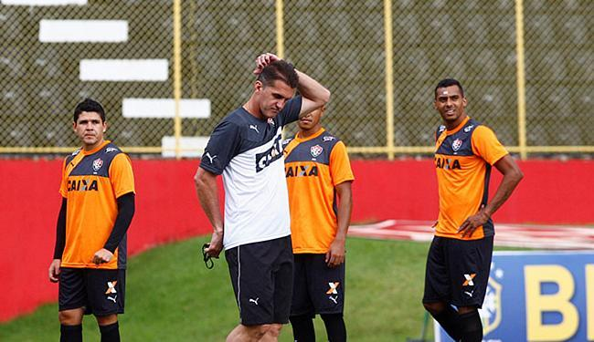 Mancini trabalha posicionamento da equipe - Foto: Eduardo Martins | Ag. A TARDE