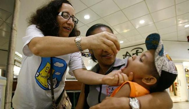 Vacinação vai continuar nos postos de saúde - Foto: Raul Spinassé | Ag. A TARDE
