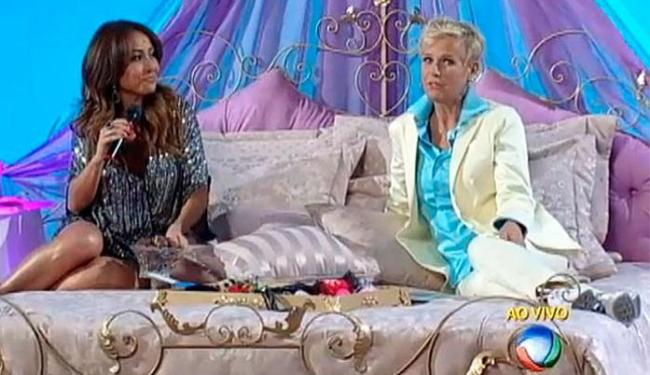 Xuxa recebeu Sabrina no quadro dedicado a falar de sexo, intitulado