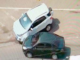 Carro roubado colidiu com outro veículo na Bonocô - Foto: Reprodução | TV Record