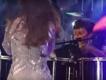 Marcelo tocou percussão enquanto Ivete cantava
