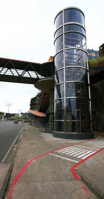 Segundo a Conder, já estão prontos os dois elevadores da passarela 1 - Foto:   Ag. A TARDE