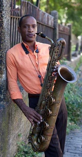 Walter Blanding participa de workshops e eventos com músicos de Salvador - Foto: Richard Corman   Divulgação